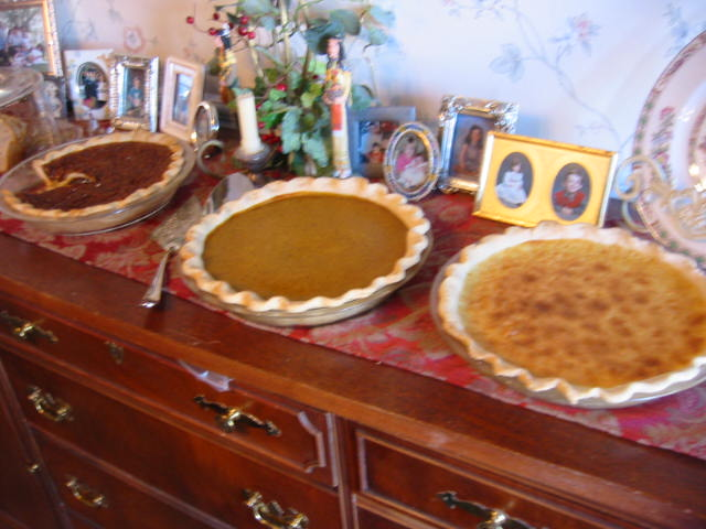 Mmmmm.....pies.  Pecan, Pumpkin and Buttermilk